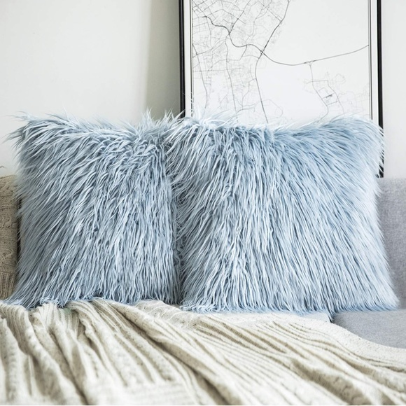 Set of 2 Light Blue Decorative Fur Pillow Covers NWT